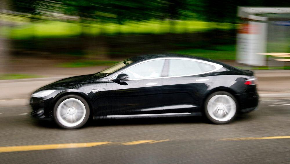 Borten Moe vil ha Sp med på å fjerne alle elbil-fordeler