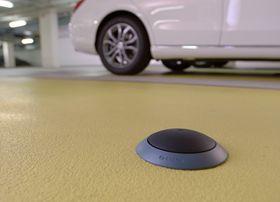 Parkering: Bosch vil bruke sensorer i biler og på bakken til å identifisere ledige parkeringsplasser. På den måten tror de biltrafikken i byer kan reduseres vesentlig.