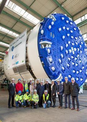 Torsdag besøkte ledelsen for Follobaneprosjektet den ferdige tunnelboremaskinen i Frankfurt.