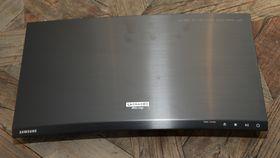 Samsung UBD-K8500 er en av de ytterst få 4K-Blu-ray-spillerne som finnes på markedet så langt.