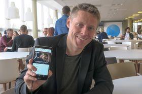 Endelig i mål: Det har tatt Gunnar Garfors, på vegne av alle landene som har innført digitalradio å få en mobilprodusent til å lansere en telefon med innebygget mottaker.