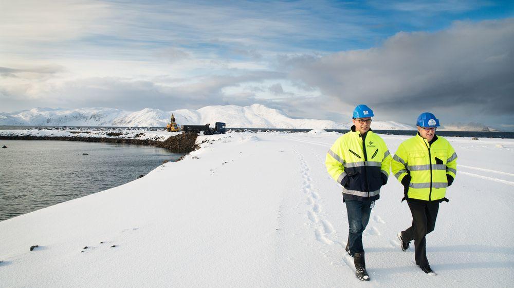 STOR PLASS: Administrerende direktør Ketil Holmgren (t.v) og viseadministrerende direktør Herold Paulsen på Polarbase har hatt enorm vekst. I dag har de rundt 500.000 kvadratmeter industriareal. Aktiviteten rundt Goliat har gjort at de fortsatt utvider.