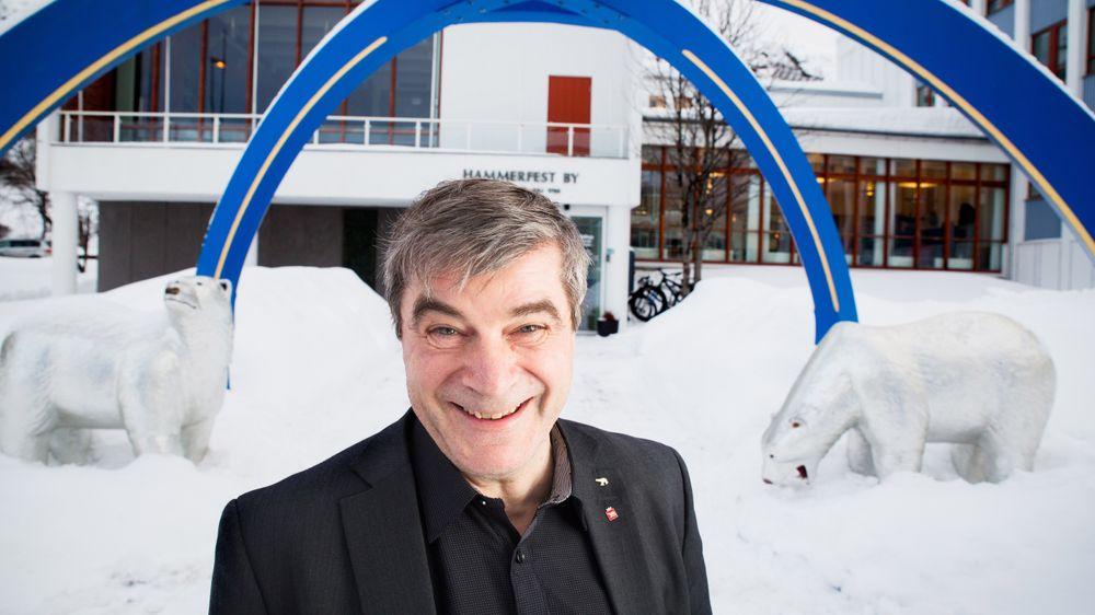 ARMOD: Hammerfest-ordfører Alf E. Jakobsen har sett den blomstrende Finnmarks-byen forfalle med fiskeriindustriens fall og han har vært med på ruste opp byen for å ta i mot oljevirksomheten.