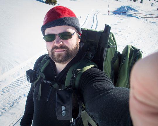 Turstart-selfie! Eller: «Jeg tok ikke med meg stativ, så da får det bli som det blir»-selfie.