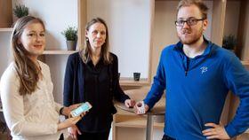 Professor Lise Randeberg (til høyre) har forsket grundig på hvordan bruke optisk sensorteknologi for å måle graden av gulsott. Nå har Picterus lyktes med å få denne teknologien inn i en app.