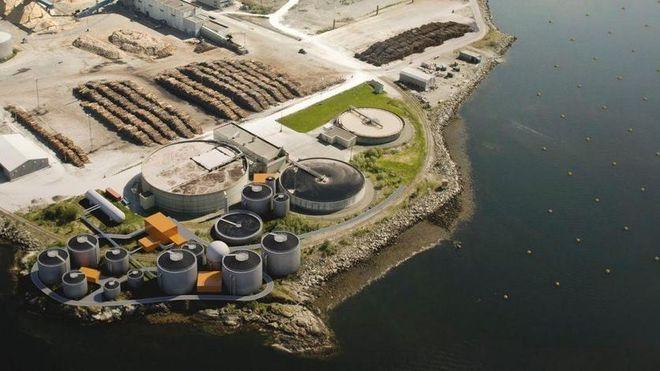 Ny fabrikk på Skogn: Avløpsvann, slam og fiskeavfall inn - biodrivstoff ut