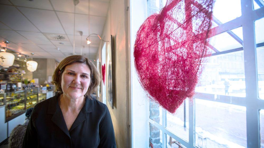 Hjerte for mye: Ingrid Dahl Hovland liker både fugler, fossiler og natur. Hun mener det er viktig å avklare arealkonfliktene i et veiprosjekt tidlig, for å unngå forsinkelser.