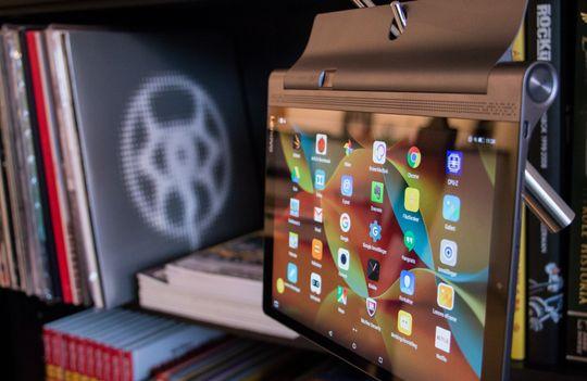 Lenovo Yoga Pro 3 kan settes opp omtrent over alt.