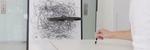 Les Denne dronen kopierer tegninger du lager på tegnebrettet