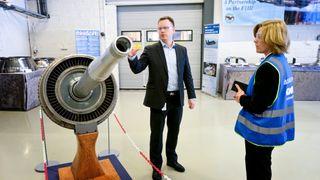 Investerte i roboter og digitalisering. Nå produserer de Dreamliner-deler dobbelt så fort