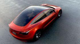Denne elbilen går i strupen på BMW 3-serie, Mercedes C-klasse og andre små sedaner. (Foto: Tesla)