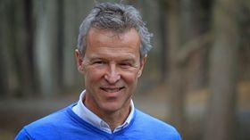 Professor Lars Berglund ved KTH har utviklet gjennomsiktig trefinér.