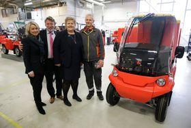 Statsminister Erna Solberg og næringsminister Monica Mæland sto for den offisielle åpningen av el-bilfabrikken Paxster i Sarpsborg onsdag.