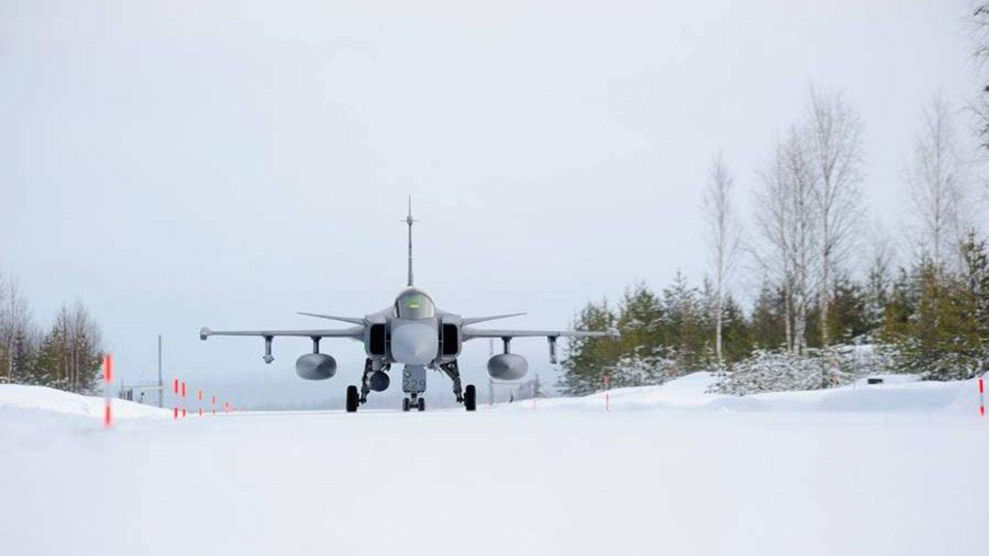 Jas-39 Gripen på Vidsel krigsbas i mars.