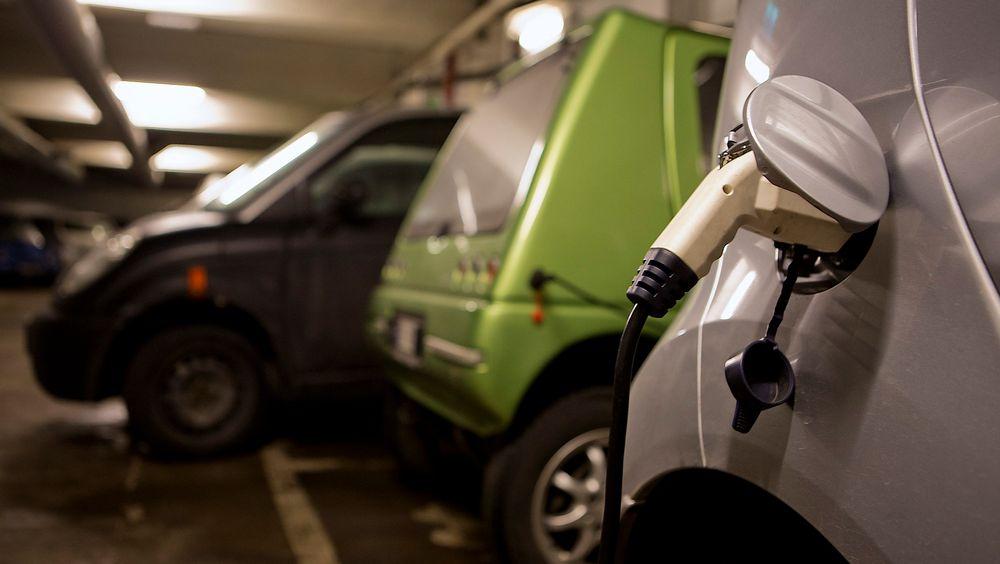 SV, Elbilforeningen og Bellona vil ha ladepunkt for elbil inn i de nye byggforskriftene som skal komme