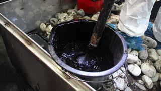 «Stokk» med vakuum erstatter bøtte og spade ved oljesøl