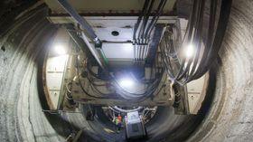 Disse gripperne holder TBM-en på plass under boring, og brukes for å skyve borehodet fremover 1,8 meter av gangen.