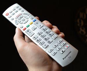 Fjernkontrollen er den samme gamle. Det betyr ikke at den er dårlig.