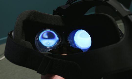 Det kan være greit å ta av VR-maska og få litt luft innimellom.