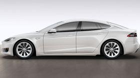 Tesla Model S har fått en ansiktsløfting. (Foto: Tesla)