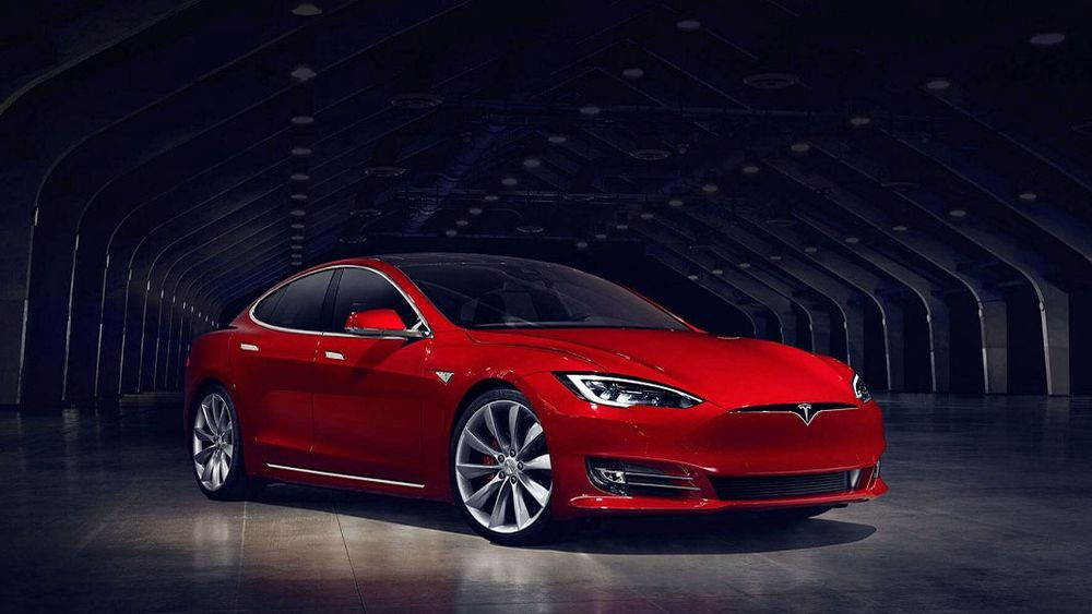 Tesla Model X og Model S kommer nå med 100 kilowattimer batteri.