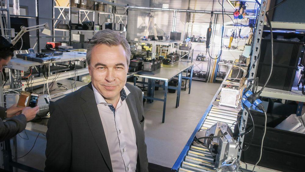 Fabrikkåpning: Den nye radiofabrikken som åpnet utenfor Tønsberg kan produsere 50 IXION Maestero hvert skift. Håpet er at det skal trengs utvidelser om ikke lenge.