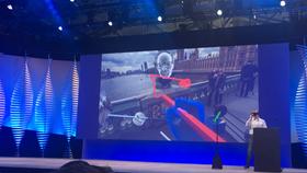 Deling av tegnede objekter i VR-rommet var et annet kuriøst konsept som ble demonstrert på F8-konferansen.