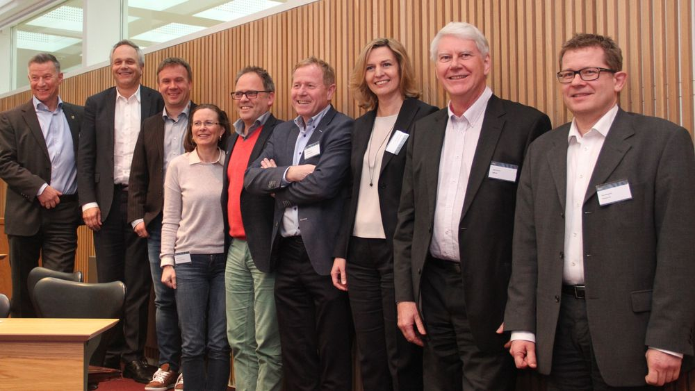 Ifeas styre, enstemmig valgt på årsmøtet som ble holdt 13. april. Fra venstre: Styrets leder, Tore Sandvoll, Eivind Omarhaug, Runar Holte, Johanne Theie, Bernt Eldor, Agnar Sæland, Ragne Grøtterud,  Kjell Grorud, Tom Storgaard.