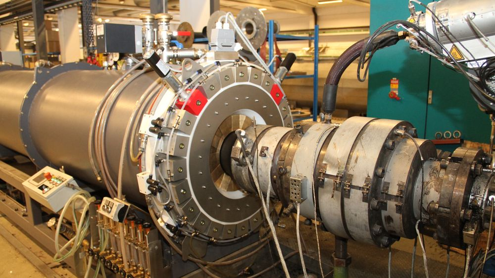 Denne, levert at tyske iNOEX, gjør det mulig for Hallingplast å endre dimensjonen på de ferdige rørene uten å stanse produksjonen.
