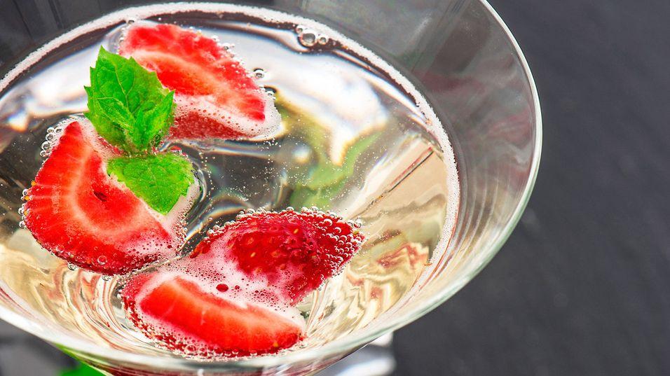 UKENS DRINK: Server denne sprudlende vårdrinken til helgens festligheter