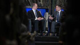 Ketil Solvik-Olsen og Elon Musk hadde en samtale på scenen under konferansen.