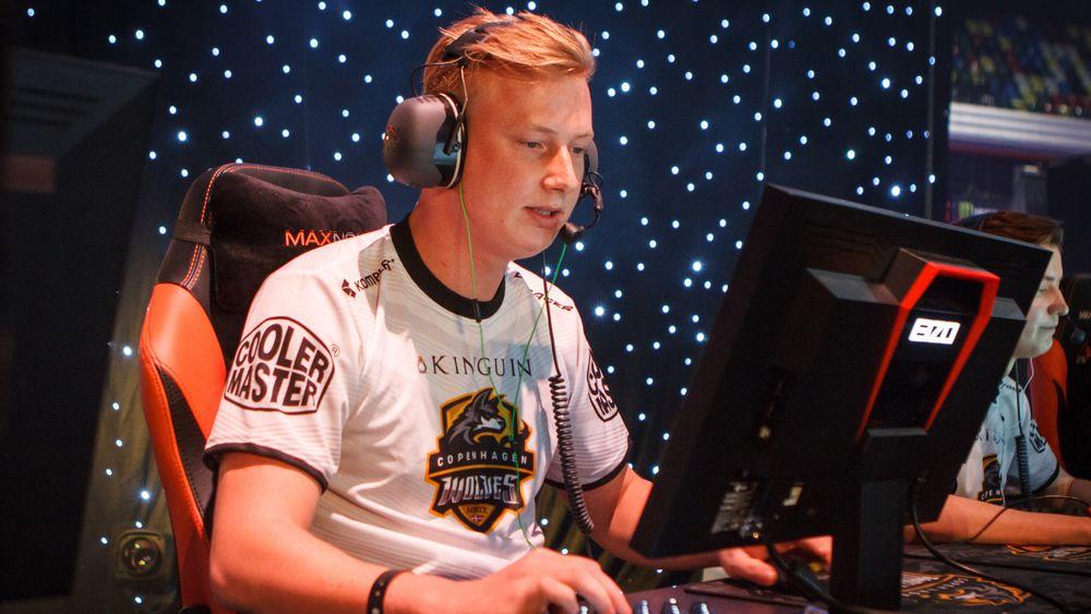 Morten «Zeves» Vollan da han spilte med Copenhagen Wolves på Dreamhack Open London i 2015.