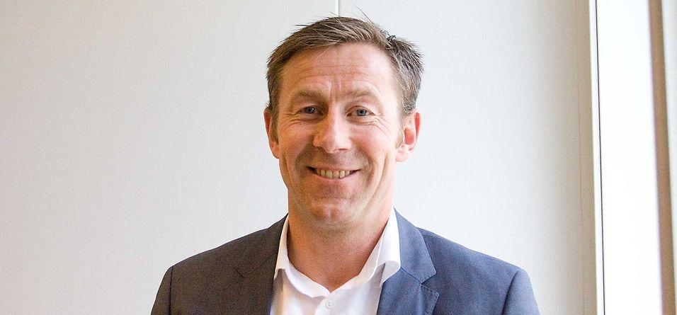 Administrerende direktør Torbjørn Hulbak ser et interessant marked dukke opp etter at kommunal- og moderniseringsminister Jan Tore Sanner har åpnet for større bruk av skytjenester i offentlige virksomheter.