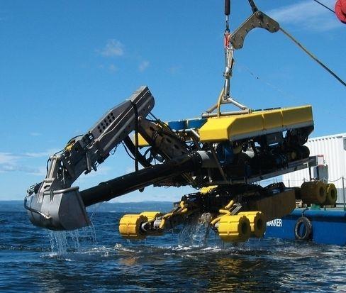Dette er gravemaskinen «Spider», som jobbet på 1000 meters dyp for å gjøre fjellsiden klart til gassrørene. Så dypt nede er den imidlertid helt blind, hadde det ikke vært for teknologien til National Instruments. Foto: National Instruments.