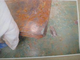 Denne sparkeplaten veide 12,8 kilo og falt 27 meter før den traff en kvinnelig arbeider på Aasta Hansteen-prosjektet.