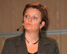 Rundhåndet: Anne Kjersti Fahlvik i Forskningsrådet har tatt på seg spanderbuksene for å få fart på avansert bruk av IT i helseforskning.