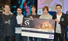 Høsten 2014 vant Preben «Prebz» Bertheussen(midten) Logitech G Series på Gamer.no med Kristian «Lifting» Næsgaard, Morten «Speed» Kjelsrud, Erlend «Nukeduck» Våtevik Holm og Omid «Touch» Rosander.