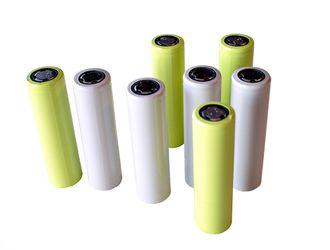 Litiumionebatterier, som disse 18650-cellene, har blitt en viktig komponent i teknologiens verden.