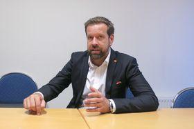 Mr Smart: Jonas Persson er prosjetleder for Byens kontrollrom i Mälarenergi.