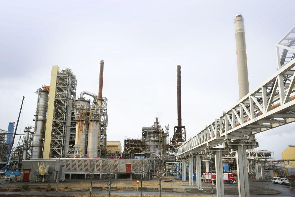 Læring: Teknologisenteret har fått problemer med tåkedannelse når de har forsøkt å rense den CO2-rike røykgassen fra oljeraffineriet på Mongstad, og har jobbet mye for å løse dette.