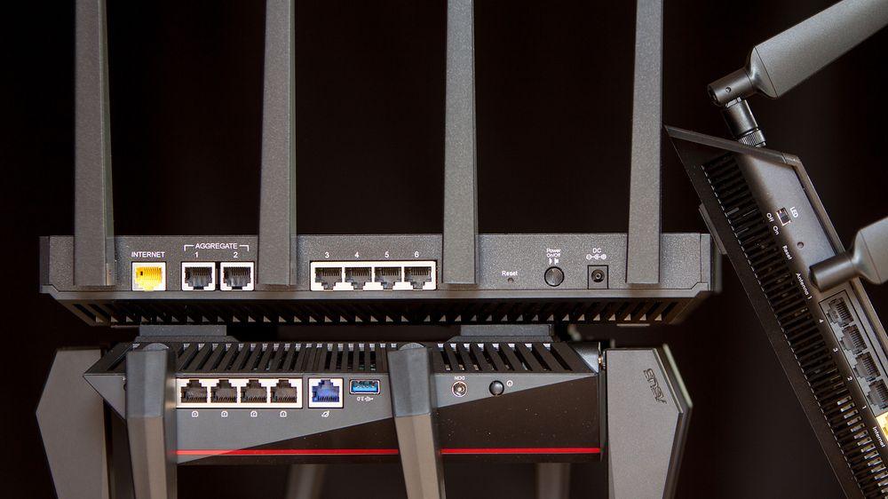 De nyeste trådløse ruterne støtter avanserte teknologier som MU-MIMO, beamforming og 160 MHz kanalbredde. Alt sammen bidrar til enda bedre ytelse.