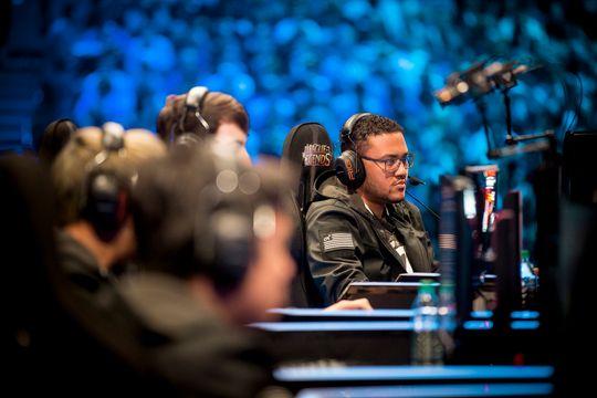 Support-spiller og kaptein i Counter Logic Gaming,Zaqueri «Aphromoo» Blacker lagets nøkkelspiller, med et sterkt strategisk spill.