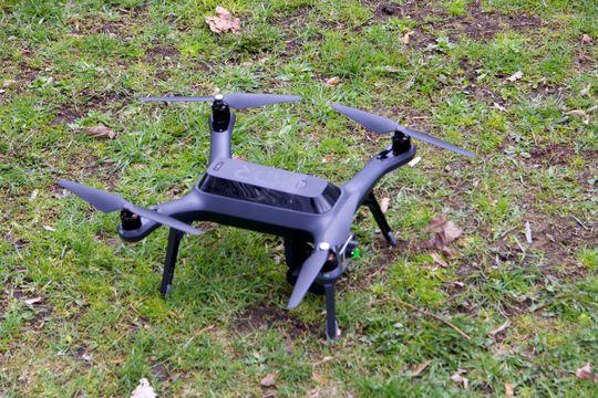 Dronen er enkelt utført i plast av den litt tøffere typen – ABS-plast, ifølge 3DR.