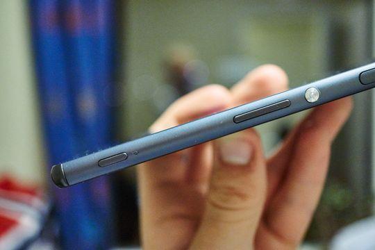 At strømknappen nå kan trykkes inn to ganger for å aktivere kameraet er ikke så farlig på Xperia-telefoner. Det finnes det en dedikert knapp til.