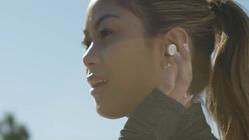 Trådløse, bittesmå øreplugger med innebygd mikrofon søker folkefinansiering