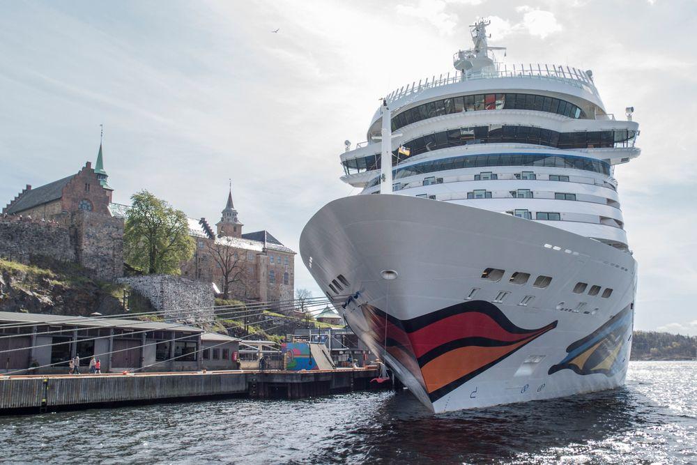 Cruiseskipet Aidamar ruver ved siden av Akershus festning i Oslo Kristi himmelfartsdag. I mai starter cruisesesongen for alvor i hovedstaden.