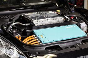 Kreisels elektriske 85 kilowattimers Porsche Panamera.