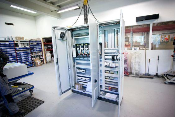 Teknotherm ser nå på muligheten for å flytte hjem produksjon av tavler også for eksport til Kina.
