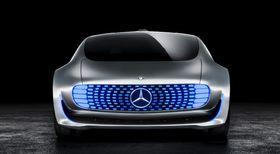 Mange bilgiganter, som Daimler, har vist frem flere elbilkonsepter med lang rekkevidde, men ingen har så langt levert.
