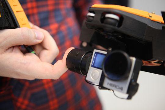 - Ingen andre droner greier å følge og filme slik Staaker gjør, sier Ole Jørgen Seeland.